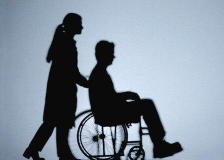 Primăria Râmnicului şi alte instituţii îşi bat joc de persoanele cu handicap din oraş