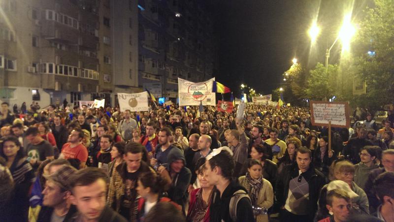 image-2013-09-22-15631051-41-mii-oameni-protesteaza-impotriva-proiectului-rosia-montana