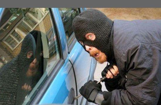 autoturism furat