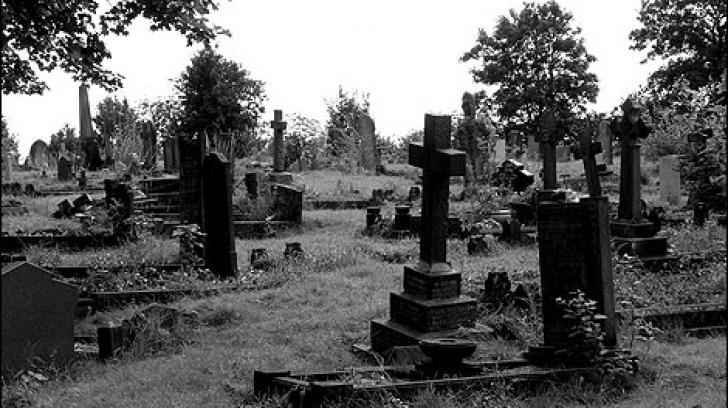radnor_street_cemetery_1_470x353_38805800
