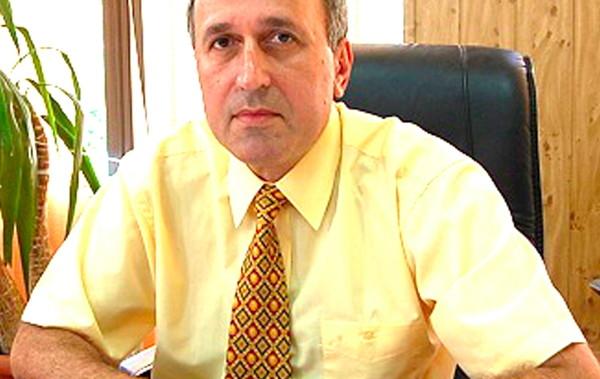 """Primarul din Drăgăşani, Cristian Nedelcu, şi-a acordat ilegal un spor pentru """"condiții vătămătoare"""""""