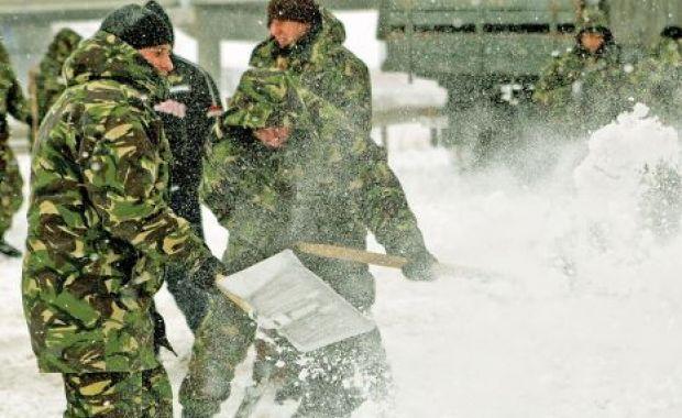 Armata-numai-buna-sa-repare-incopetenta-altora-foto-Adevarul