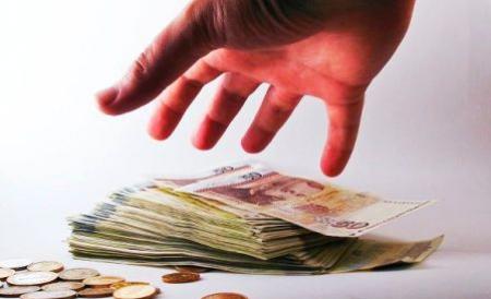 arbitri-platiti-suplimentar-din-banii-publici-vezi-unde-au-risipit-baronii-pdl-banii-oamenilor-178756
