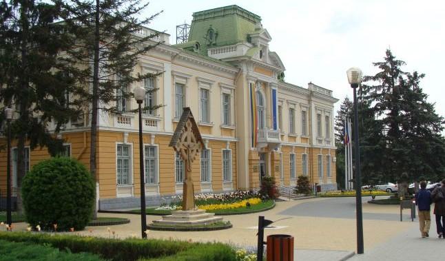 Consiliul Local Râmnicu Vâlcea va SUPRAIMPOZITA clădirile şi terenurile neîngrijite