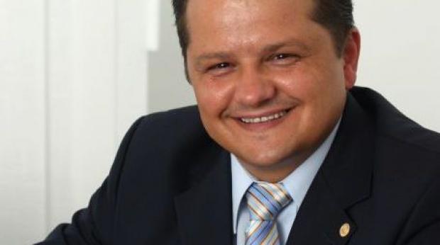 E oficial: Chimcomplex-ul lui Ştefan Vuza a cumpărat Oltchim