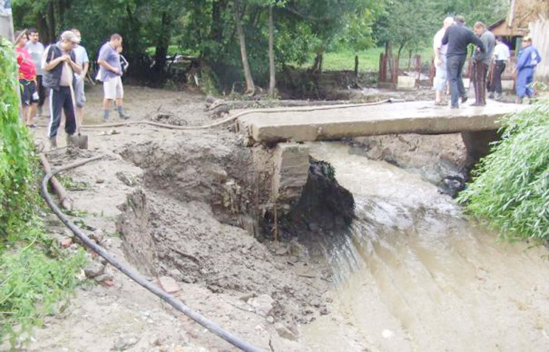 inundatii_valcea1