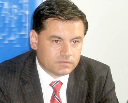 Finanţele Publice continuă executarea silită a… consilierului local PDL Mihai Persu