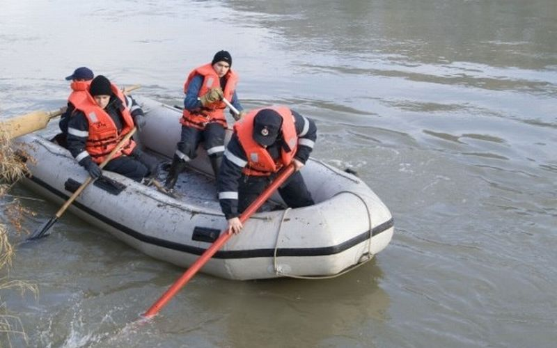 scafandri-inecat-barca
