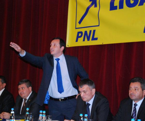 Bogdan_Pistol_a_fost_ales_preedinte_al_Ligii_Aleilor_Locali_din_PNL_Vâlcea1