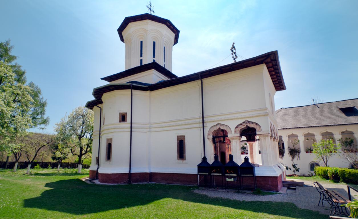 Manastirea_surpatele