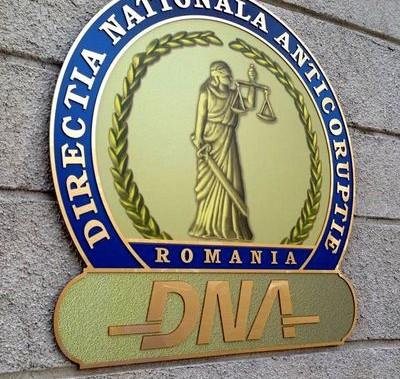 Licitaţii şi achiziţii cu iz PENAL la primăriile Drăgăşani, Bălceşti, Berbeşti, Zătreni, Creţeni şi Voiceşti