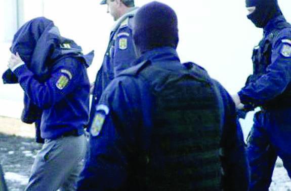 Curtea de Apel l-a condamnat DEFINITIV pe poliţistul corupt din Drăgăşani