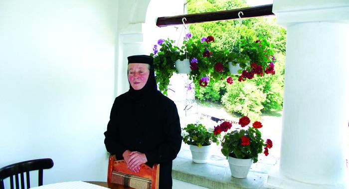 """Maica stareţă Heruvima Covaci de la Mănăstirea Govora: """"De atunci, în mine s-a trezit un dor…"""""""