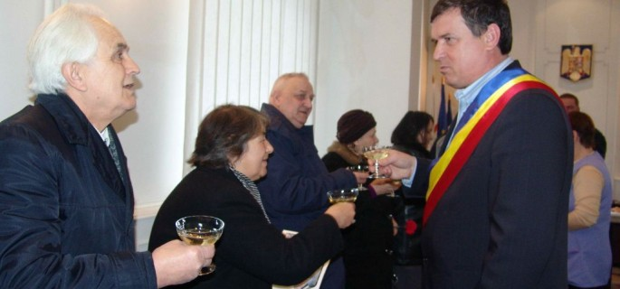 mare_pensionari_sarbatoriti