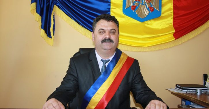 Primarul din Mihăeşti, Constantin Bărzăgeanu, derulează lucrările de construire a unui nou dispensar medical