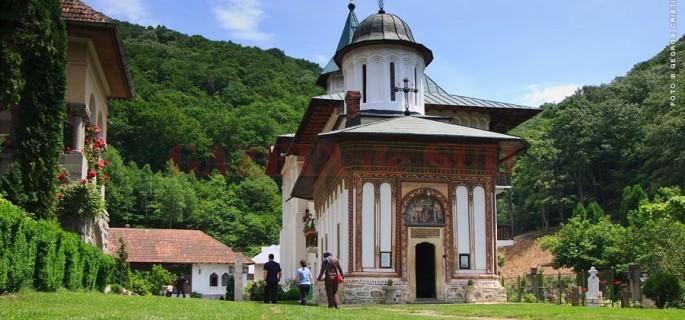 manastirea-turnu-biserica