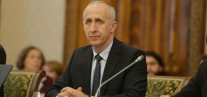 Candidatul pentru functia de ministrul Transporturilor, Dan Marian Costescu  este audiat de Comisia pentru politica economica, reforma si privatizare, la Palatul Parlamentului, luni, 16 noiembrie 2015. ANDREEA ALEXANDRU  / MEDIAFAX FOTO