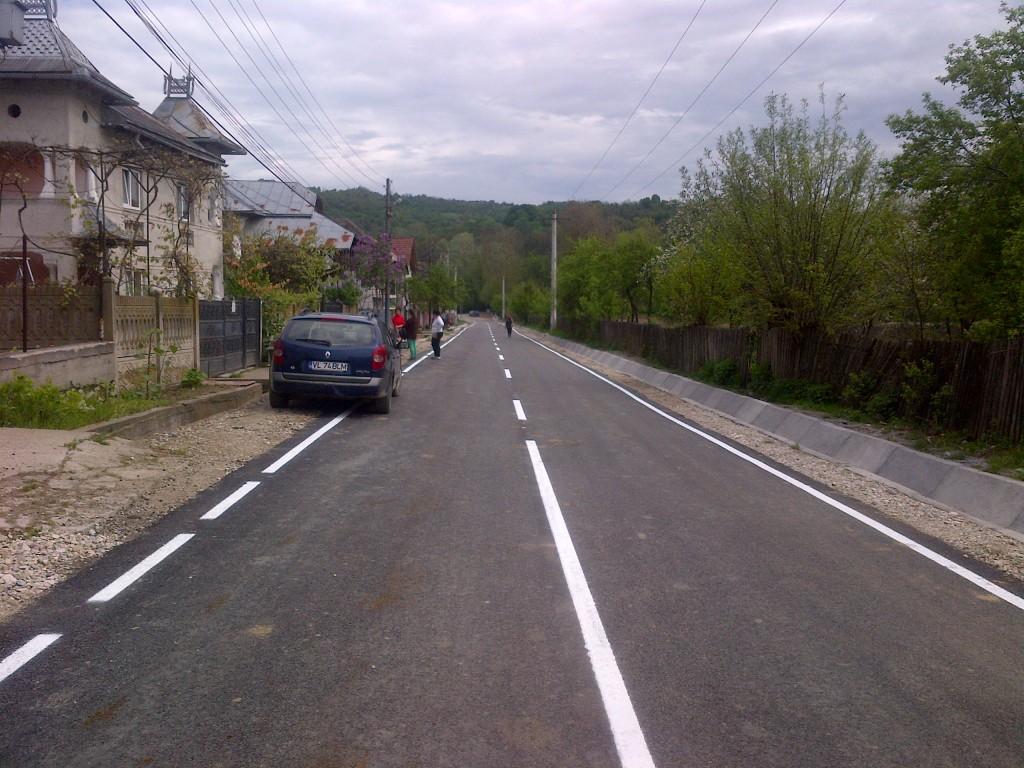 asfaltare sat Ursaresti
