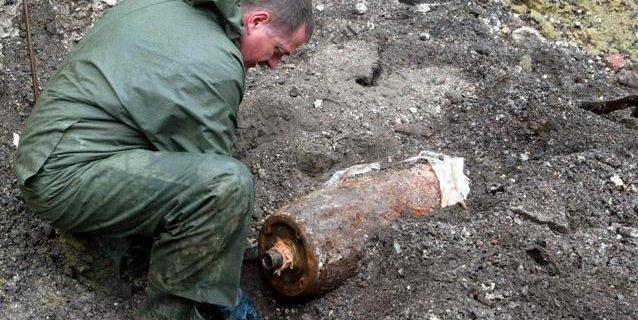 doi-copii-au-fost-raniti-de-explozia-unui-proiectil-in-judetul-iasi-18277105