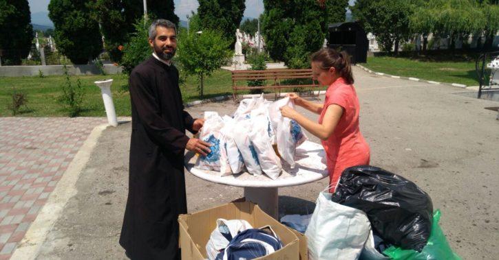 Copiii din Complexul familial pentru recuperarea copilului cu dizabilități Goranu au primit daruri din partea Arhiepiscopiei Râmnicului