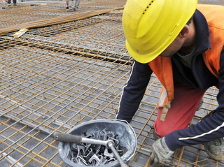 muncitor-echipamente-protectie-shutterstock