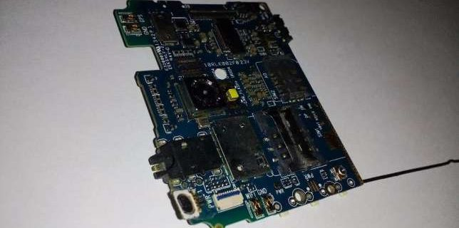 155447719_3_644x461_vand-placa-de-baza-smartphone-vonino-ego-black-accesorii-telefoane-tablete