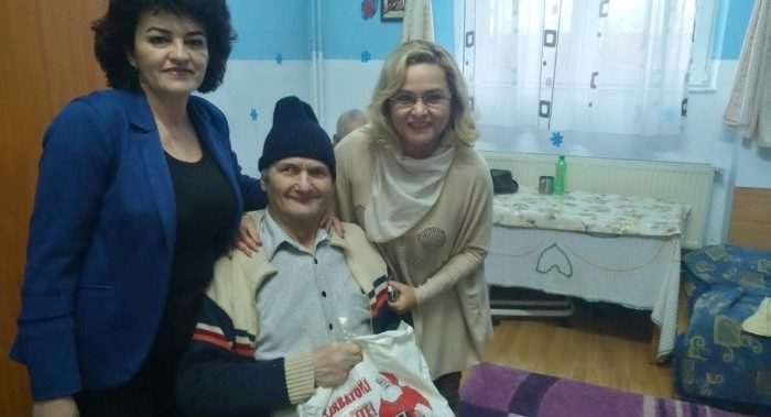 "Daniela Otesanu, deputat PSD: Caravana ""Bucurii pentru copii"" a ajuns la Zatreni si Prundeni"