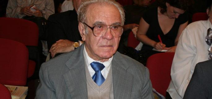 """Ioan Sahinian, in timpul ceremoniei de inmanare a Diplomei de """"Cetatean de Onoare"""" - 14.11.2013"""