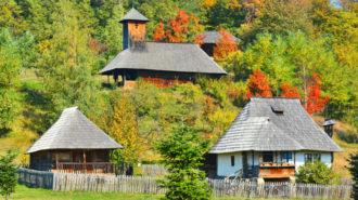 Muzeul-Satului-Valcean-din-comuna-Bujoreni-flickr