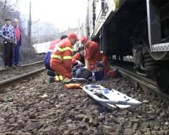 caz-socant-in-valcea-o-femeie-a-fost-lovita-de-tren-in-timp-ce-culegea-plante-langa-calea-ferata-18616813