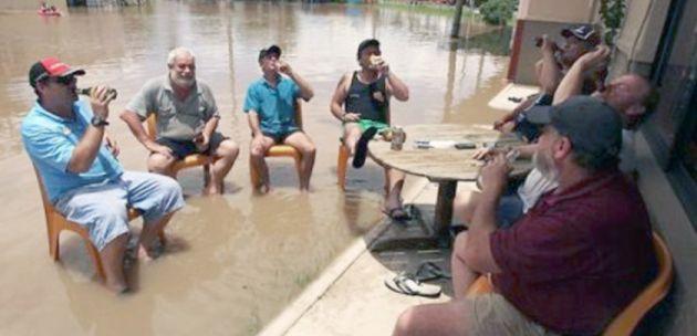 caz-unic-de-solidaritate-intr-un-sat-vasluian-inundat-satenii-s-au-mobilizat-si-au-reconstruit-carciuma_size1