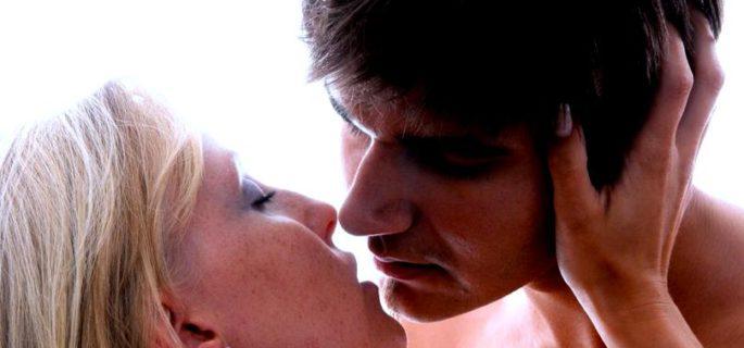 cuplu-sex-sarut