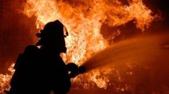 incendiu-in-valcea-un-autocar-a-luat-foc-pe-dn7-541744