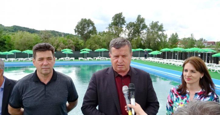 Un nou bazin cu apă sărată a fost inaugurat la Ştrandul Ostroveni