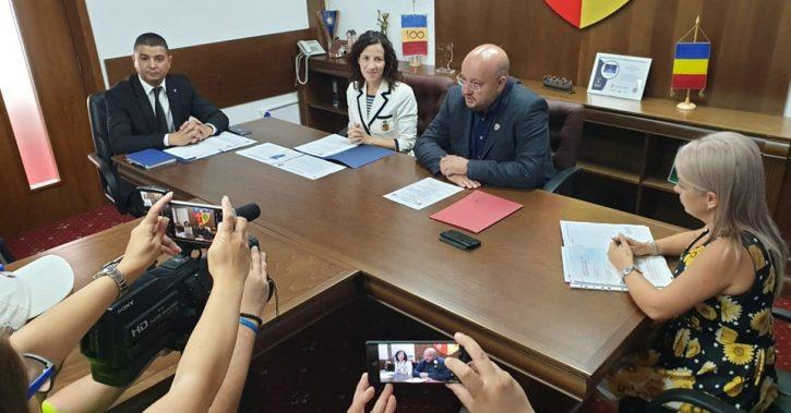Roxana Minzatu, Ministrul Fondurilor Europene: Il felicit pe presedintele CJ Valcea, Constantin Radulescu, pentru volumul impresionant de finantare europeana contractata in actualul mandat – peste 140 milioane euro