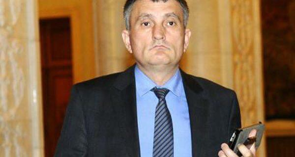 Cristian Buican, presedintele PNL Valcea, acuzat de Ciolaniadă Politică! Afaceristul Bica trage sfori la PSD si… PNL!