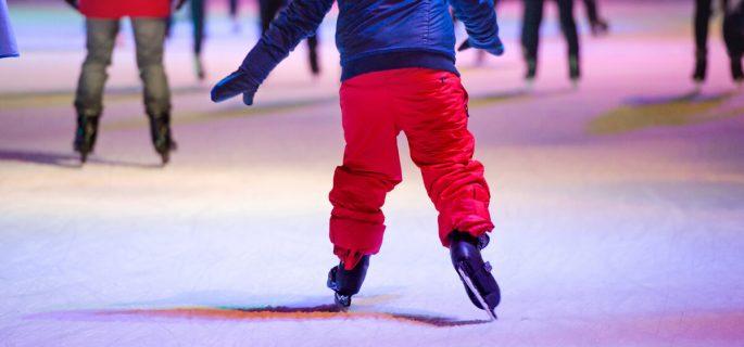 5 locuri in care valcenii isi pot duce copiii la joaca iarna aceasta