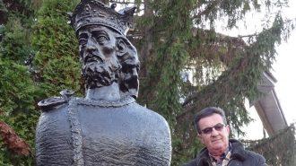 bust Mircea cel Batran