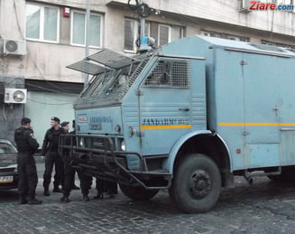 Pericol-de-explozie-la-Jandarmeria-Valcea-unde-a-fost-descoperita-o-grenada-antitanc