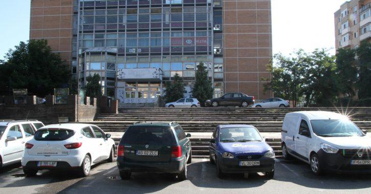 O noua parcare etajată cu 200 de locuri va fi amenajată în faţa Casei Tineretului din Ostroveni