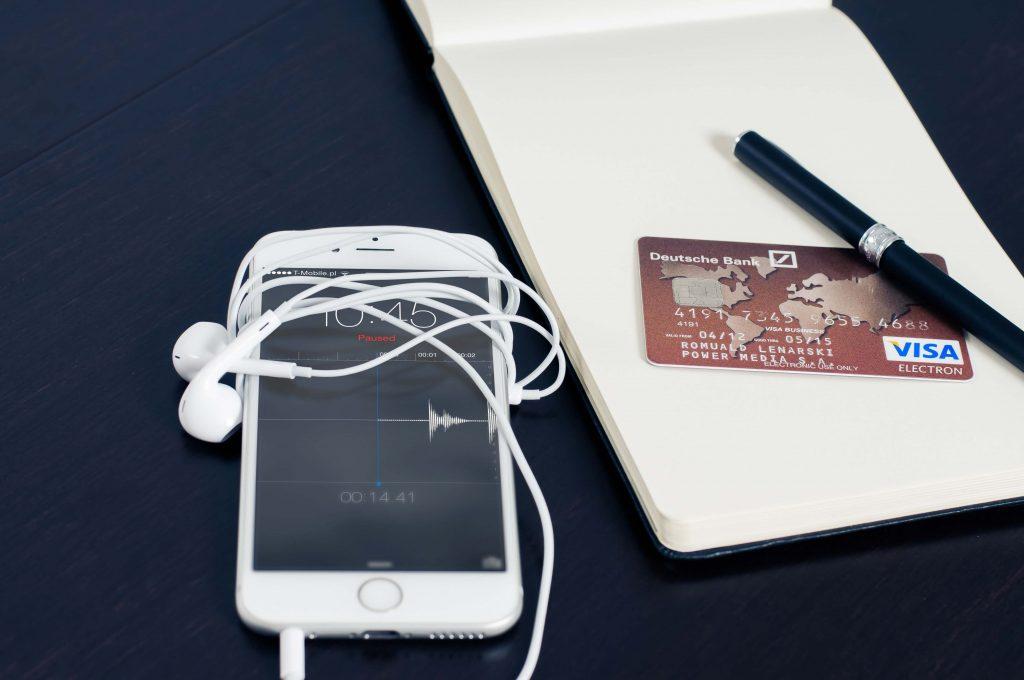 Iată 3 beneficii pe care ți le aduce un card de credit 2