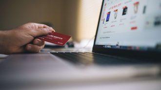 Iată 3 beneficii pe care ți le aduce un card de credit