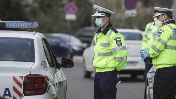 Sute de amenzi și două dosare penale date de polițiștii Serviciului Rutier Vâlcea unor șoferi indisciplinați