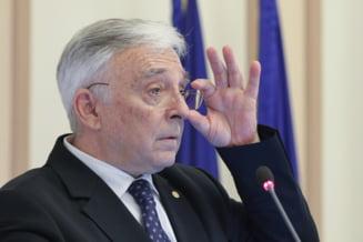 """Mugur Isărescu îl critică pe premierul Florin Citu: """"Ești economist sau visător?"""". Despre inflație: """"Cine plăteşte nota? Tocmai cei săraci"""""""