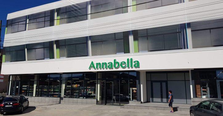 FOTO: Magazinul Annabella din Călimănești, de pe strada Calea lui Traian nr. 385, se redeschide și are un aer fresh, ca vara!