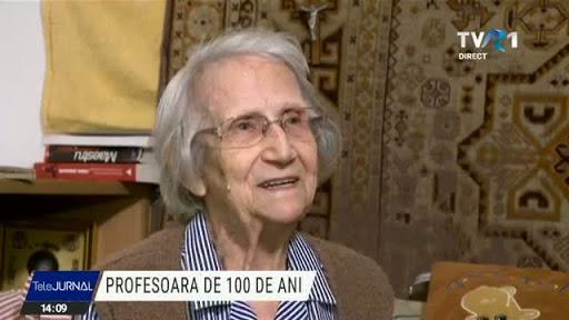 Marea doamnă a învăţământului sportiv vâlcean –profesor emerit Valeria Şuteu a împlinit 101 ani