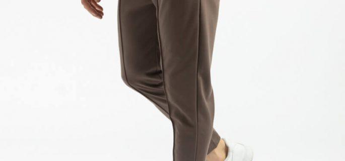 pantaloni-maro-eleganti-si-cusaturi-in-relief