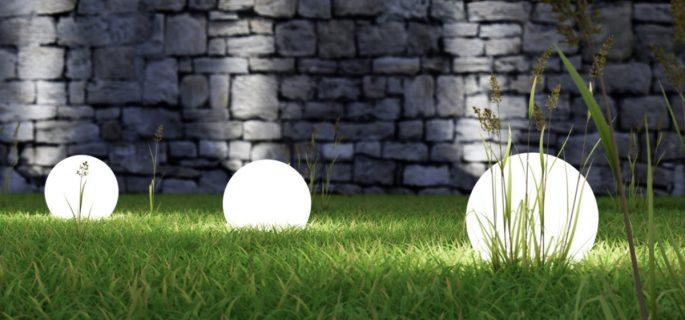 Cum să realizezi iluminarea unei grădini în funcție de stilul acesteia Lumina perfectă pentru seri de neuitat în aer liber