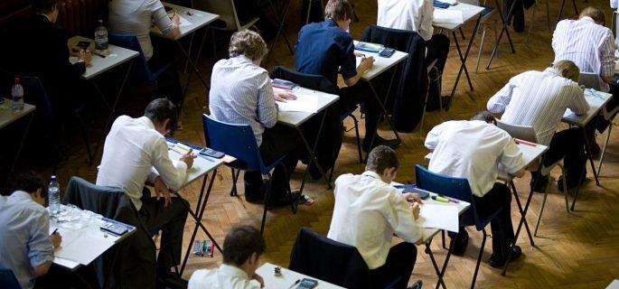 examen-scoala-bacalaureat-elevi-1