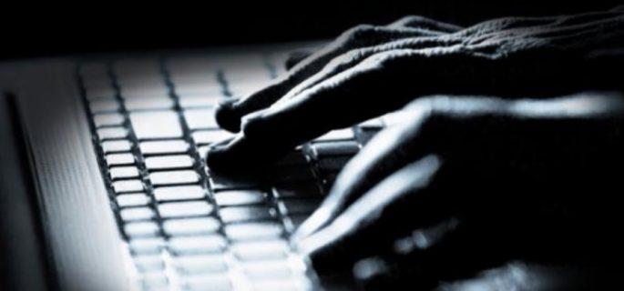 hacker-criminalitate-informatica